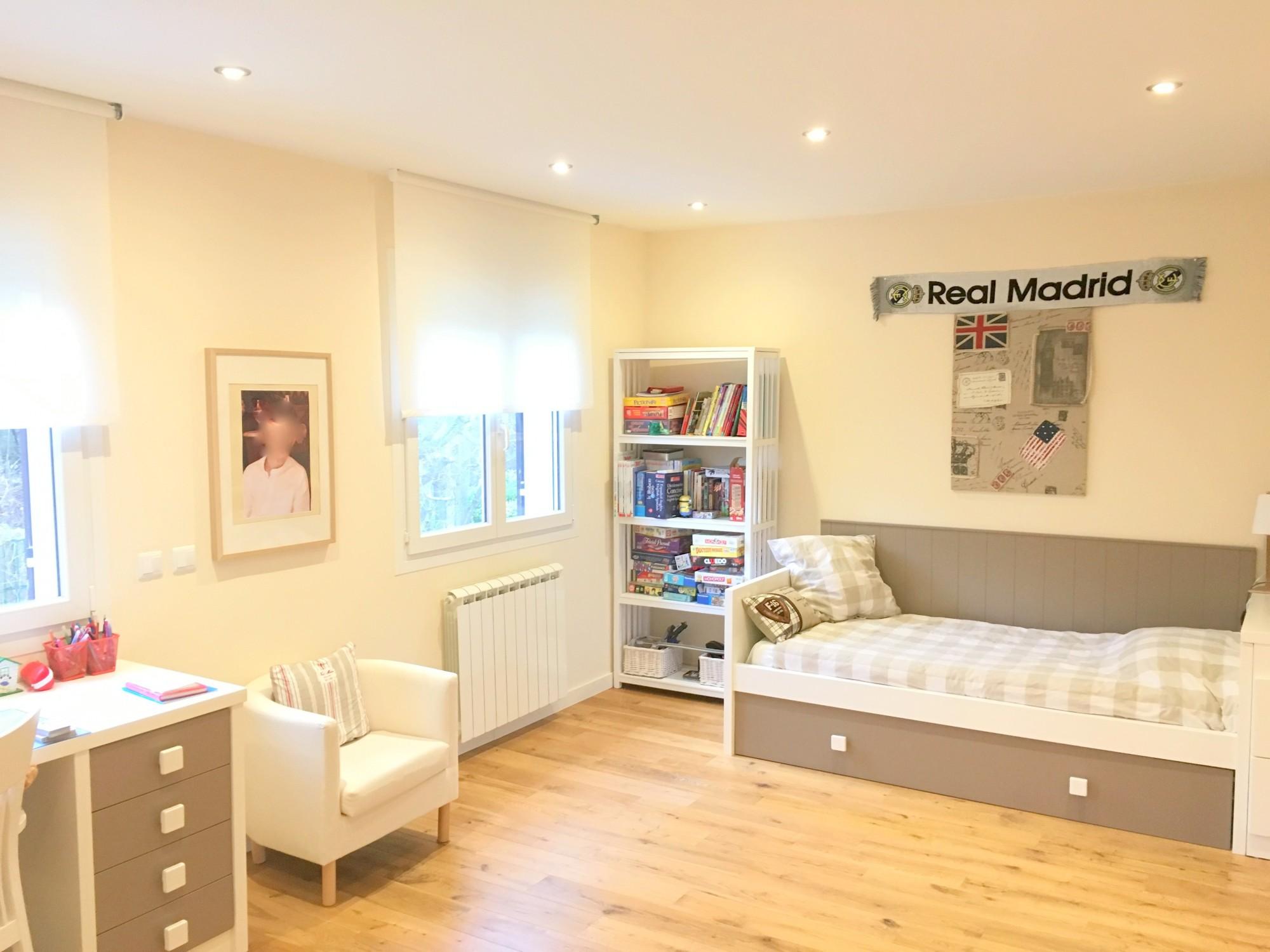 ventes maison familiale spacieuse t5 f5 epone proche centre ville enti rement renovee maisons. Black Bedroom Furniture Sets. Home Design Ideas