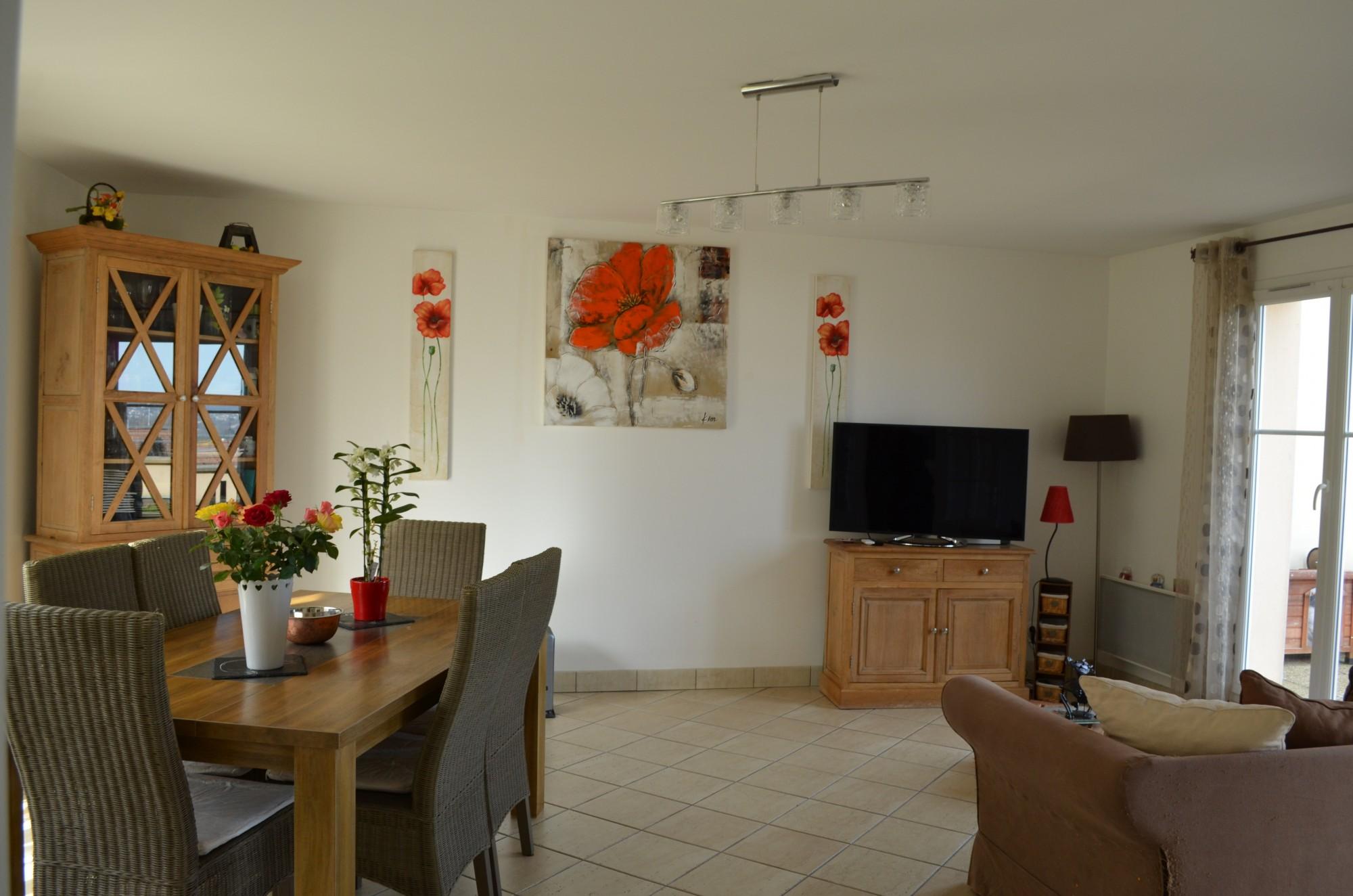 ventes maison avec garage t5 f5 mezieres sur seine suite parentale rdc maisons et patrimoine. Black Bedroom Furniture Sets. Home Design Ideas