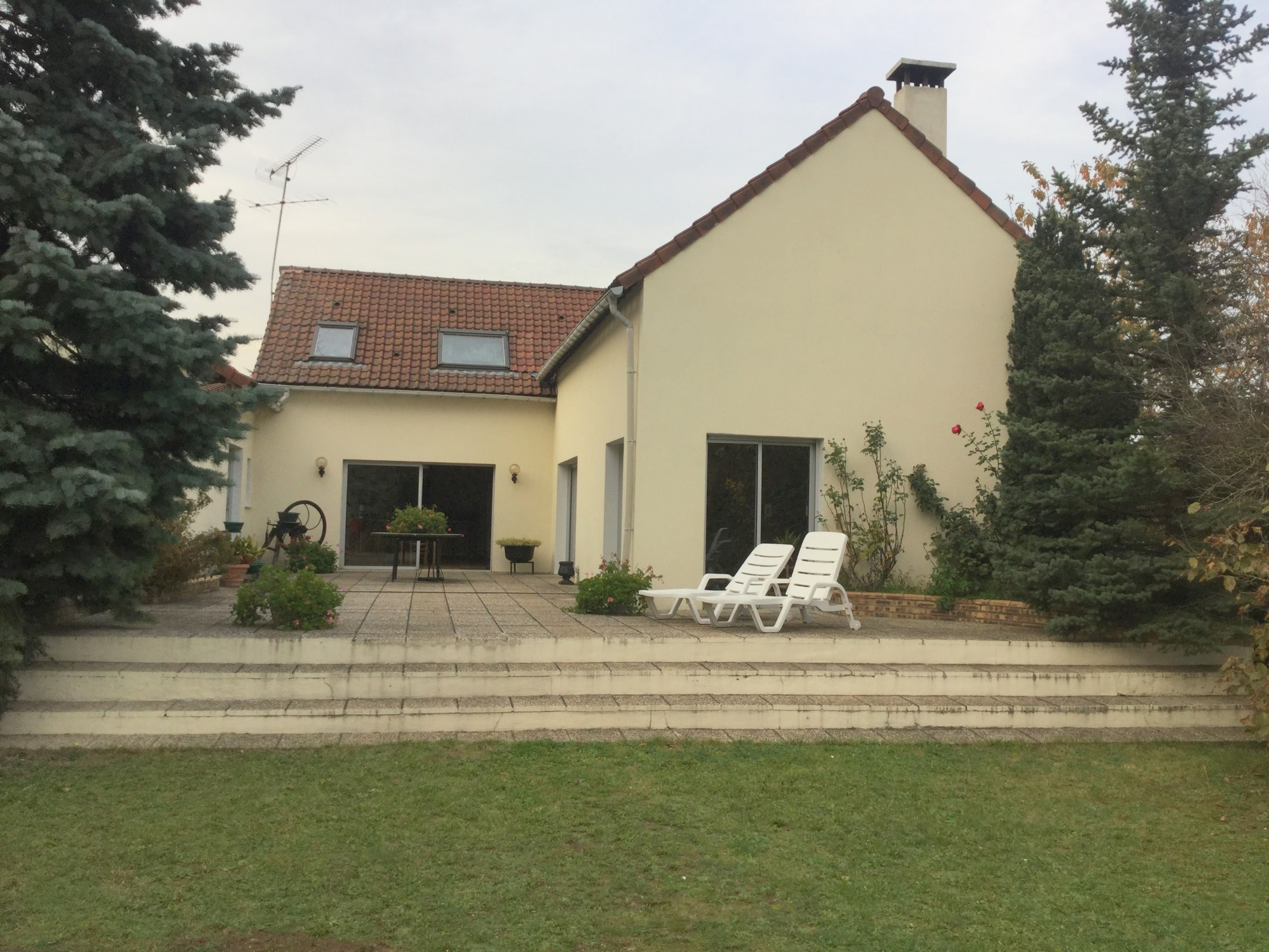 Vaste maison à Aubergenville