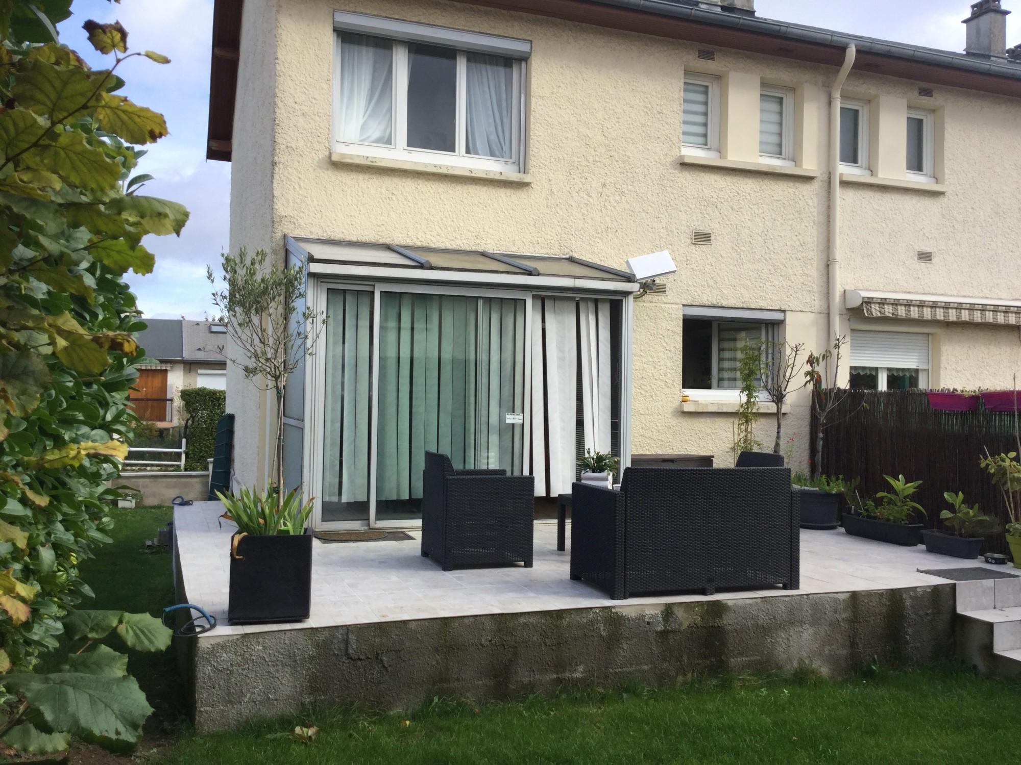 jardin et terrasse maison ecquevilly