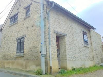 Maison de ville au coeur du village de Bouafle 78410