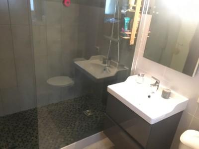 Salle de douche tres design