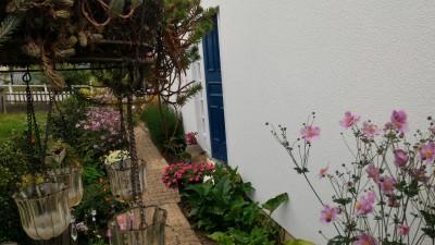 MAISON DE PLAIN-PLIED AVEC SOUS-SOL TOTAL. T6 Epone village plain-pied individuel sur sous-sol et jardin clos.